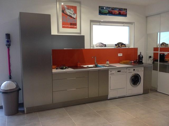 monteur de cuisine perfect monteur de cuisines with monteur de cuisine affordable monteur de. Black Bedroom Furniture Sets. Home Design Ideas
